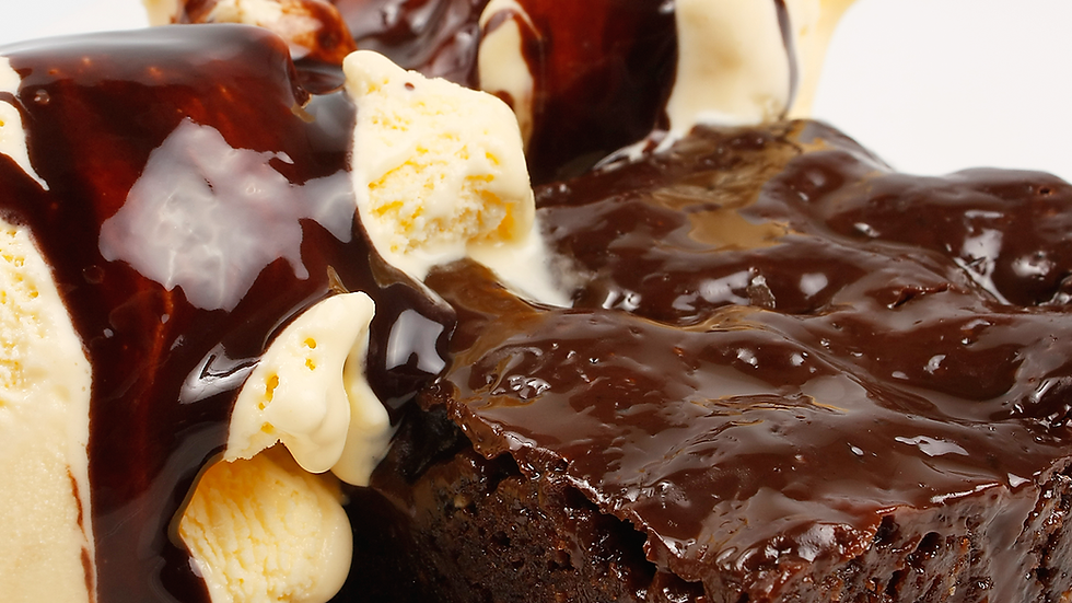 Mini brownie de brigadeiro com gelato