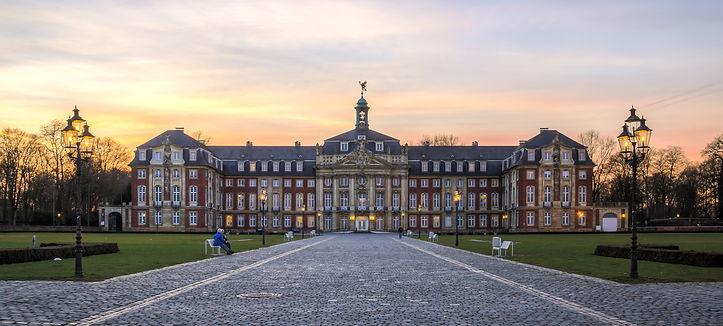 Münster,_Schloss_--_2014_--_6769-71_(cro