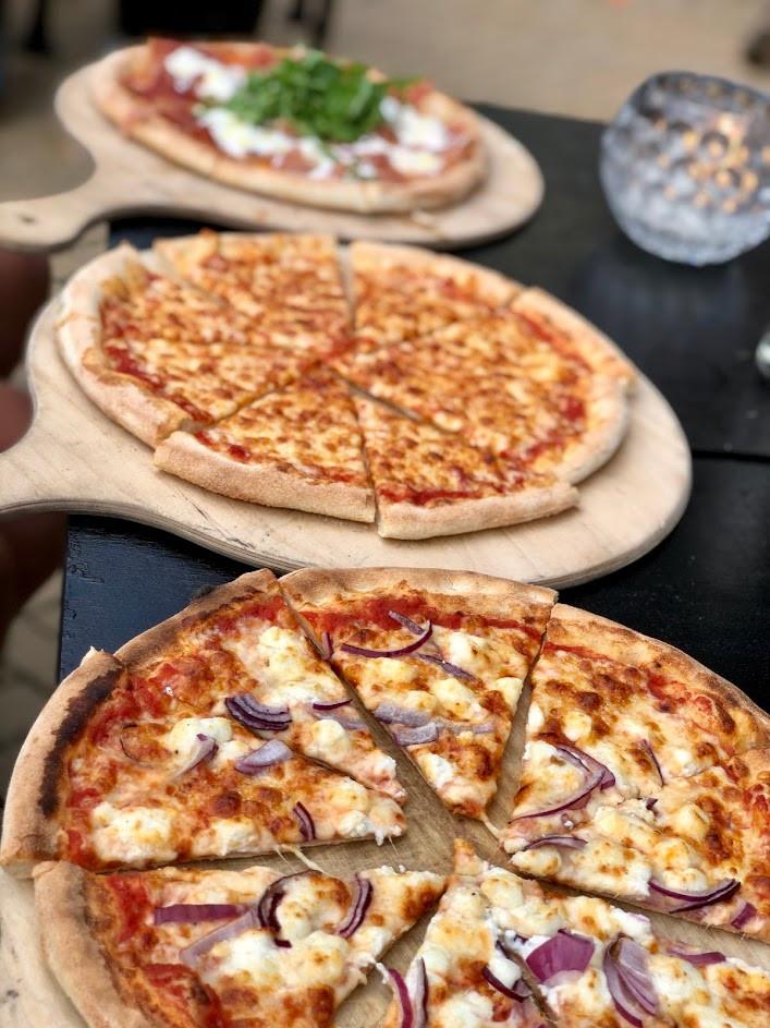 pizza mansion.JPG
