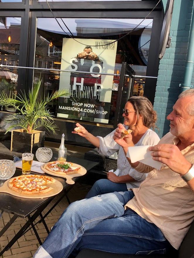 mansion pizza 2.JPG