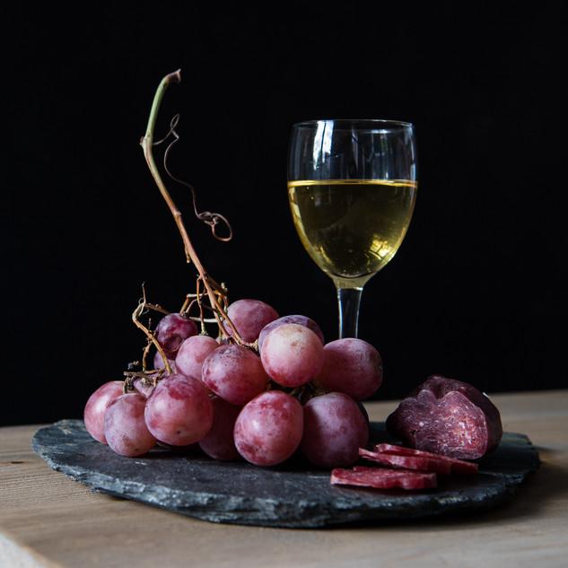 Dégustation autour dun verre de vin