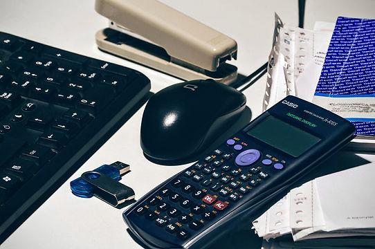accounting-1112920_1920.jpg