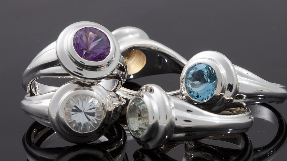 Lively Tabriz Ring in 6 stone choices