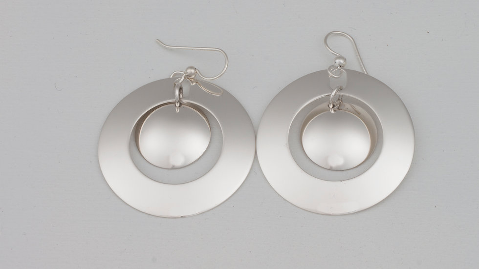 Lively Orbit L earrings