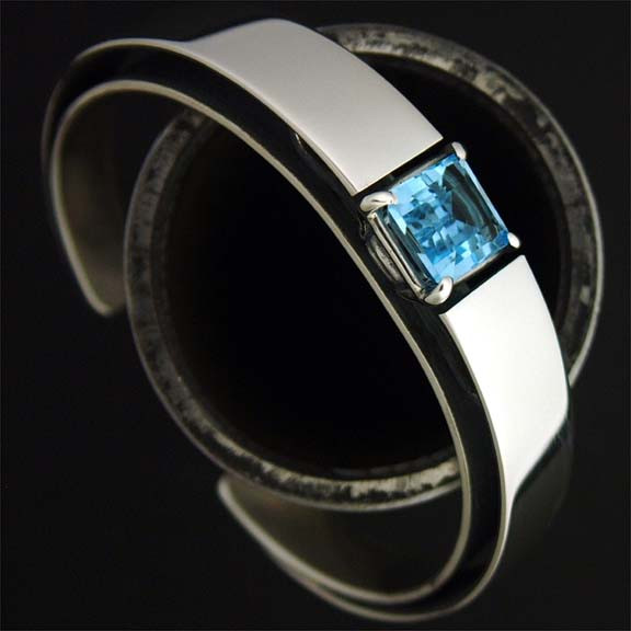 Isla cuff made in the 1990's prior to the Patania Collection