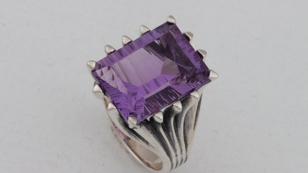 Grand Cathedral ring in 6 stone choices