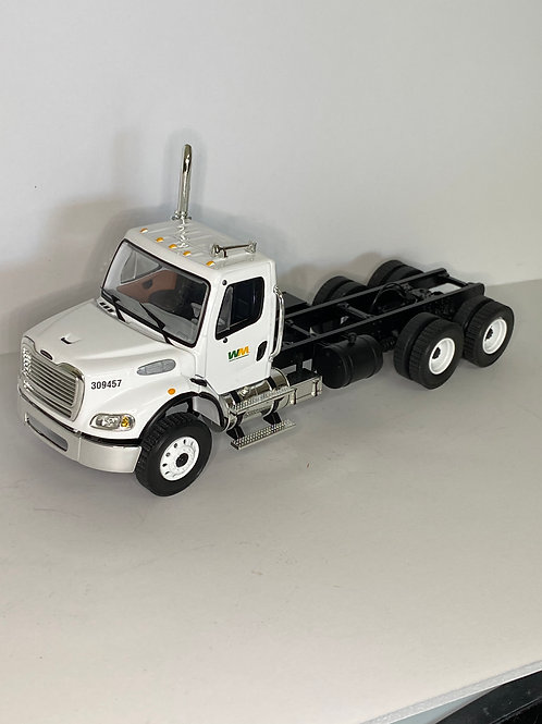 1/34 FREIGHTLINER M2 CAB/CHASSIS
