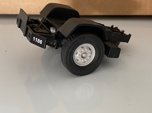 1/34 Mack R front axel