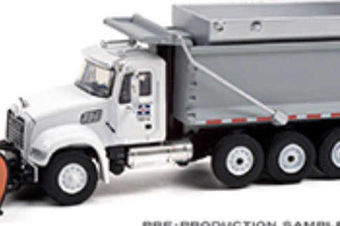1/64 Greenlight Mack plow truck