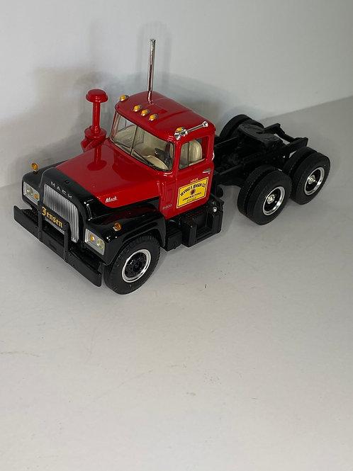 1/34 MACK R CAB