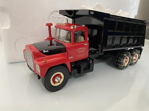 1/34 Mack R dump truck