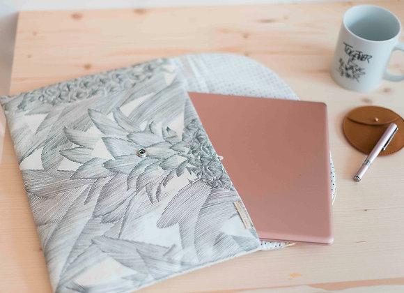 Laurette - La pochette à UltraBook - Black&White PineApple