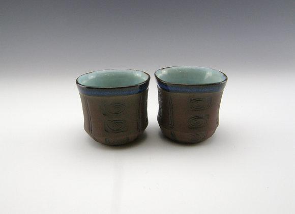 2 whisky/sake cups  3 fl oz