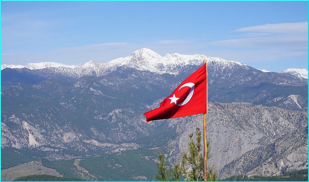 Türkei Flagge Gebirge