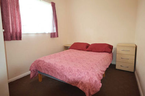 4-bed-chalet-4.jpg