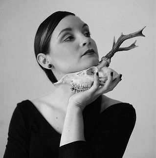 Delphyne V, Paris, skull