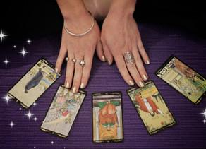 Asana & Arcana: quand Yoga & Tarot se mettent au diapason