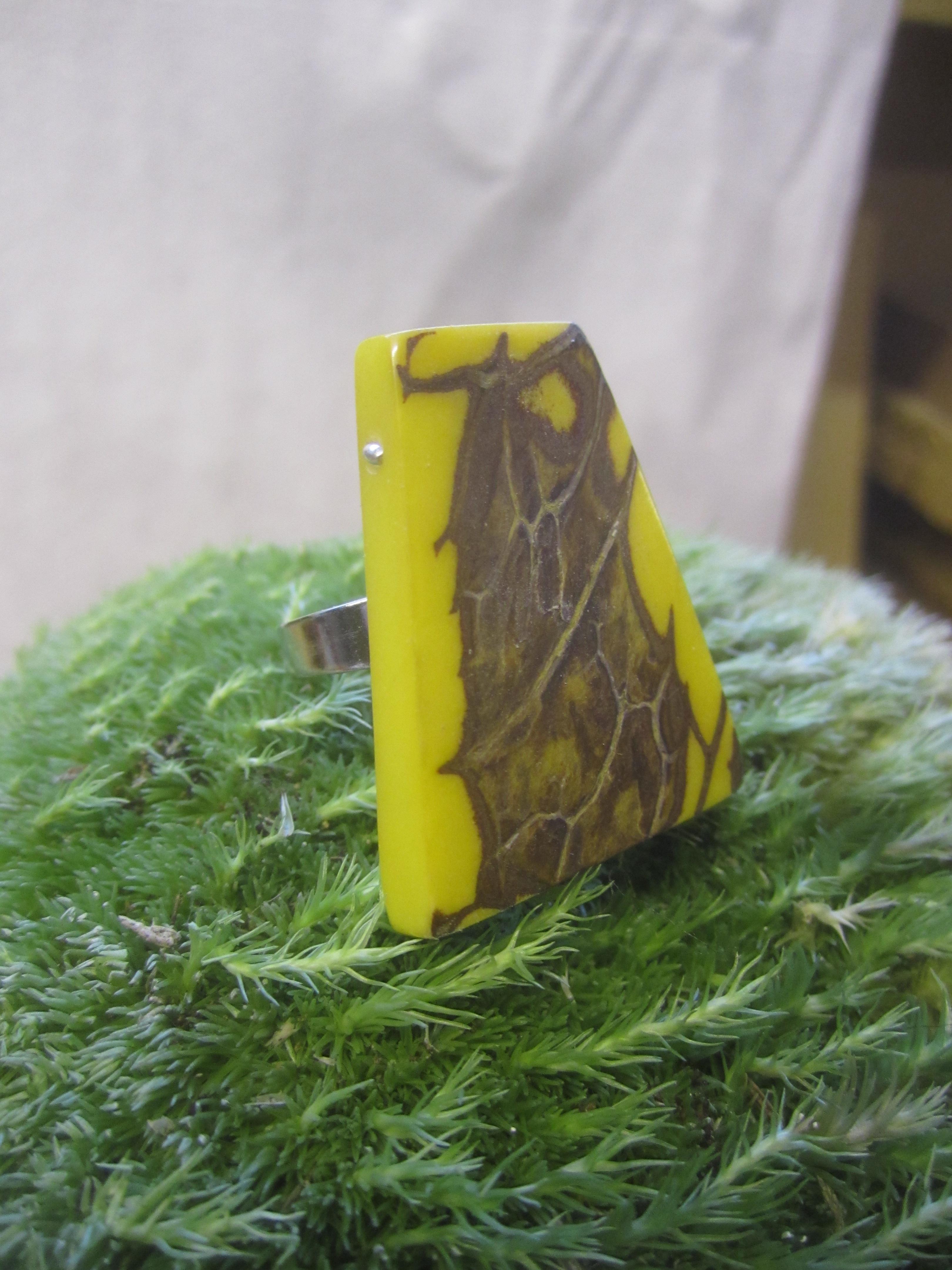 ivoire végétale teintée jaune
