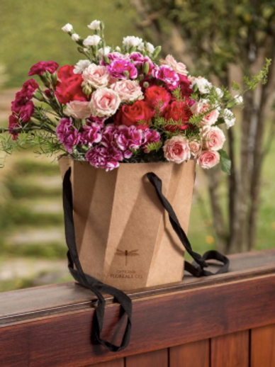 Bouquet na caixa sextavada