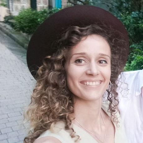 Anais Perou profile picture