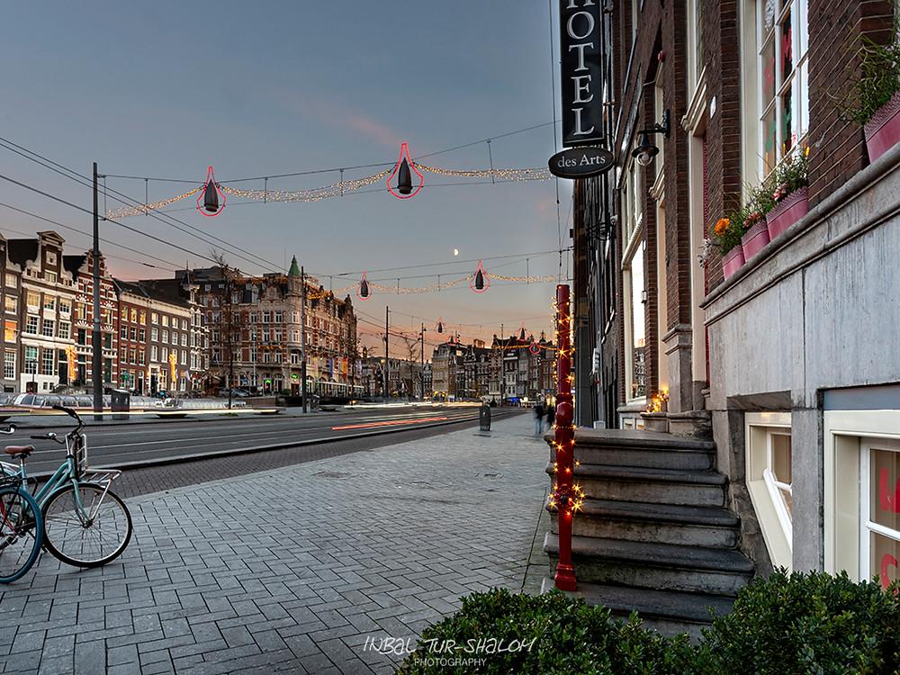 blue hour photo Christmas street lights decorations Rokin Amsterdam November 2020