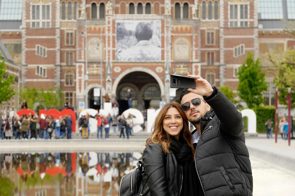 Selfie next to the Rijksmuseum