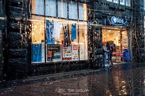 Leidsestraat in Amsterdam when it rains