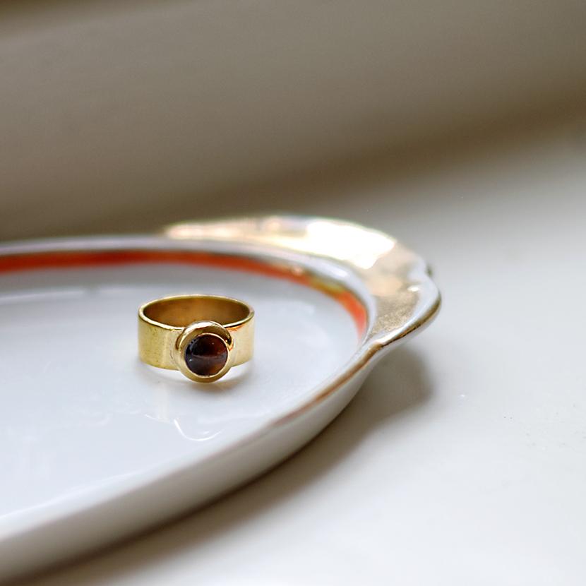 Gouden ring met tijgeroog