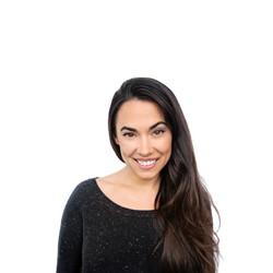 Rhiannon Headshot smile