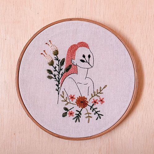 Kit para bordar: Mulher & Botânica