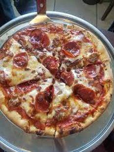 restaurants,restaurant,waterford,wi,food,pizza,deliver,delivery,burlington,wind,lake,muskego,pops,pizzeria,dine,specials,lunch,dinner,bar,bars,taverns,italian