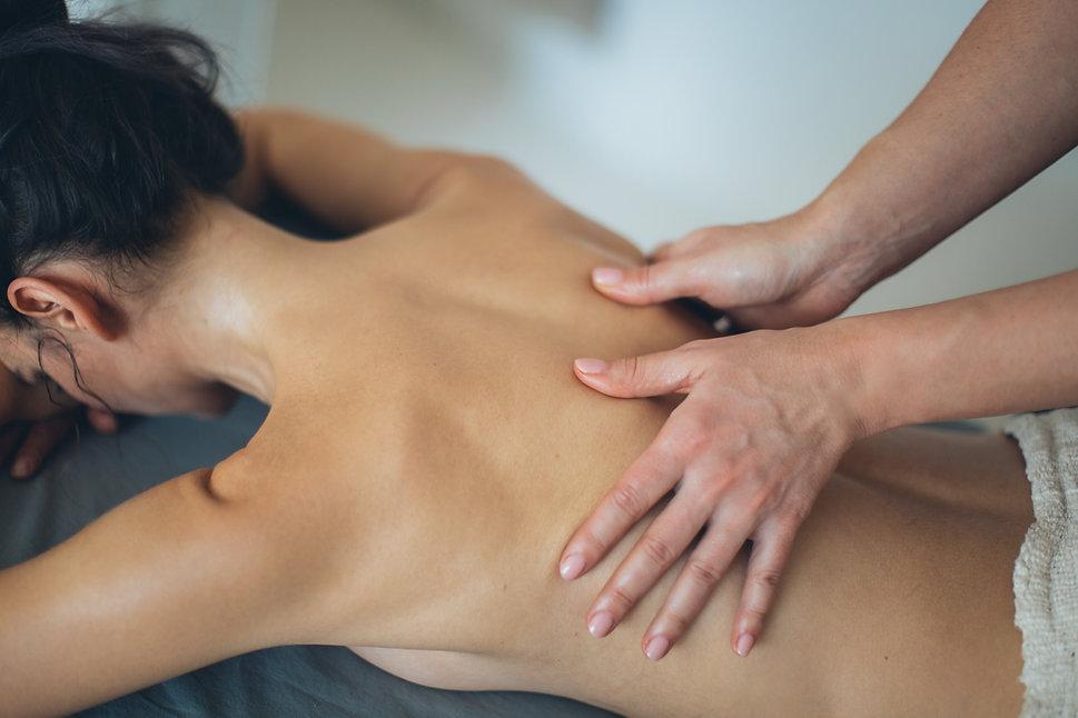 Harmonie für den Körper, Lomi Lomi Nui, Klangmassage, Entspannung und Wohlgefühl