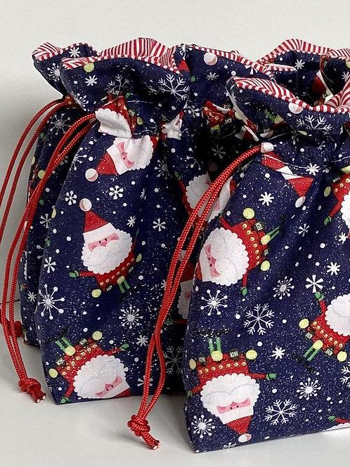 Snowflakes and Santa Claus Print Drawstring Gift Bag - 4 Sizes
