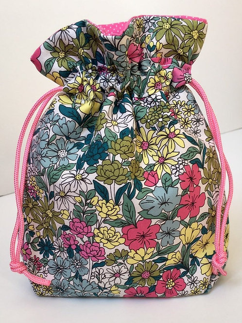 Floral print gift bag in white/multi color