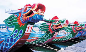Usanze e tradizioni durante il dragon boat festival/Dragon boats festival: traditions and rituals