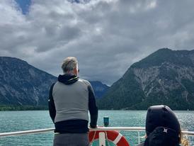 Wanderung am fjordartigen Plansee bei Reutte /Tirol