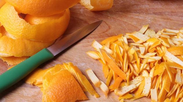 Make Your Own Vitamin C From Lemons