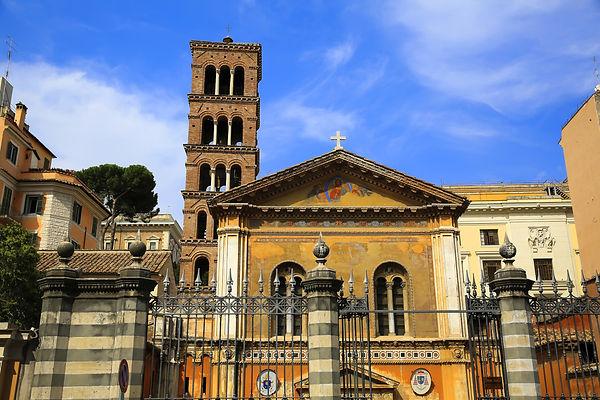 The-basilica-of-Santa-Pudenziana-in-Rome-Italy.jpeg