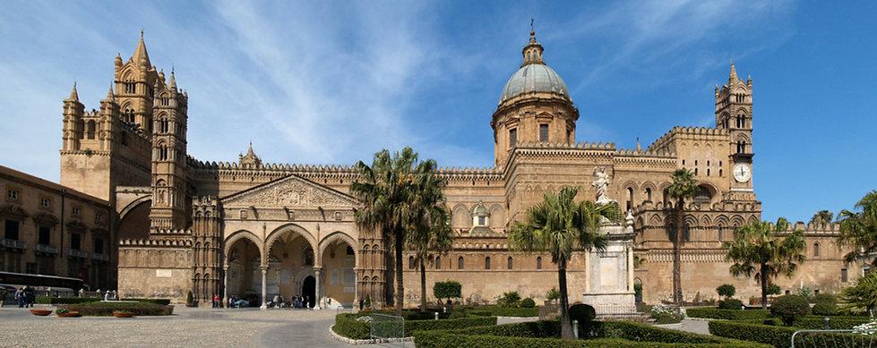 Panoramica_Cattedrale_di_Palermo.jpeg