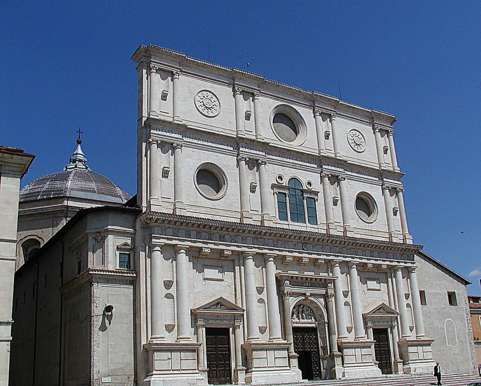 L'Aquila,_Basilica_di_San_Bernardino_200