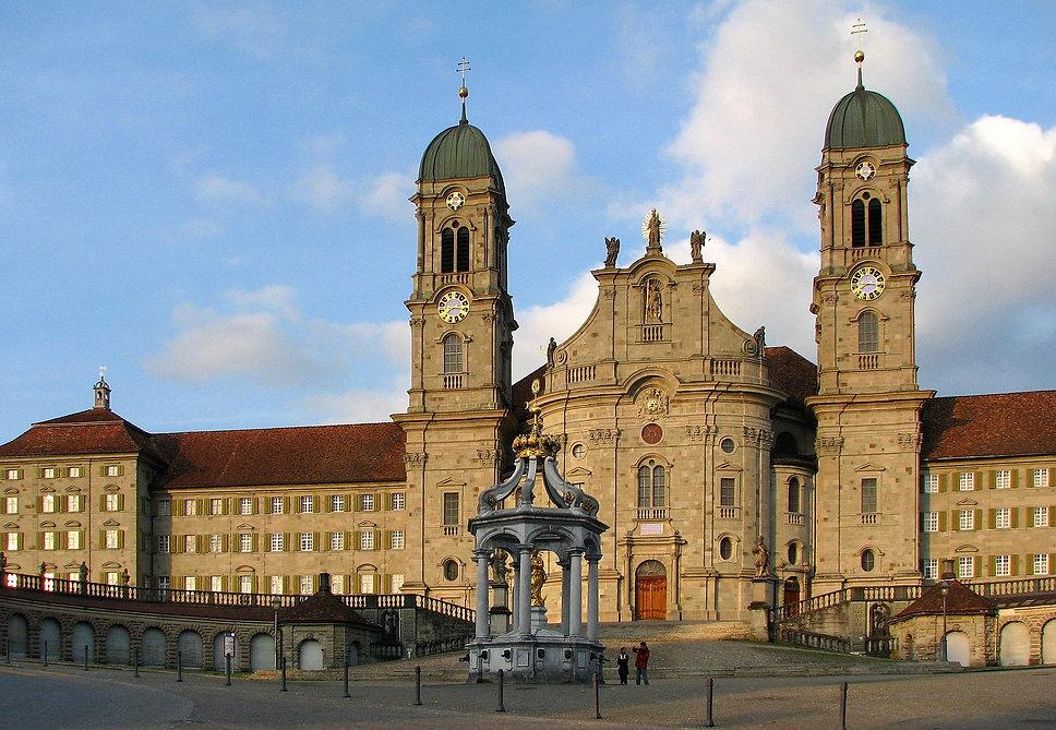 1920px-Kloster_Einsiedeln_IMG_2852.jpeg