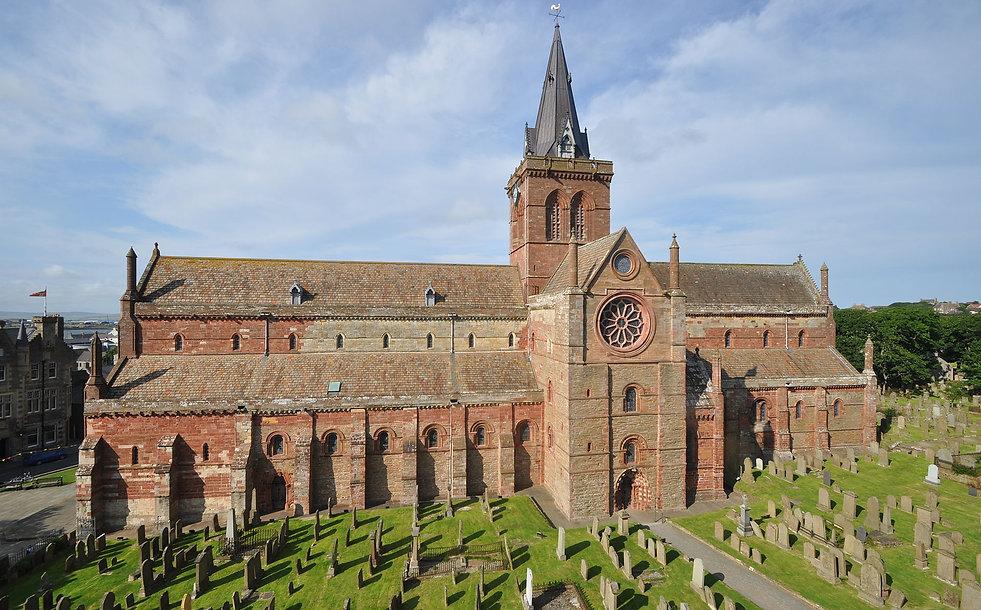 St_Magnus_Cathedral,_Kirkwall,_viewed_fr