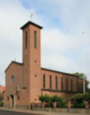 St_Torfinns_kirke_Hamar.jpg