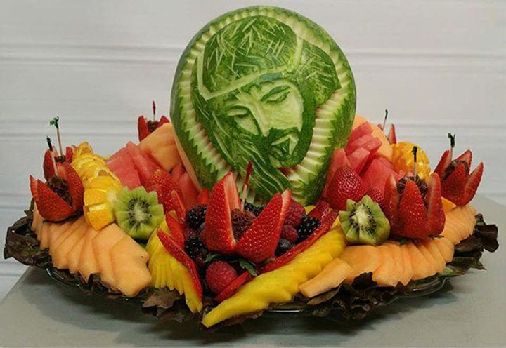 jesus-melon-carving-feliciano-moreno.jpg