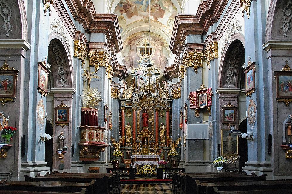 Holy_Trinity_Church_(interior),_48_Krako