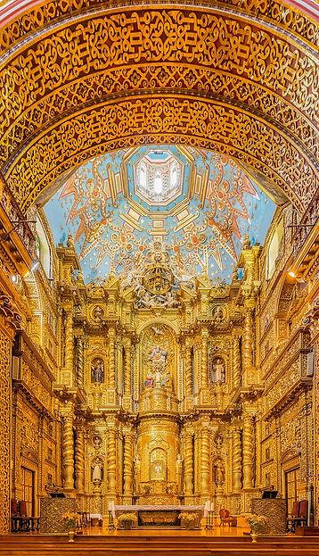 800px-Iglesia_de_La_Compañía,_Quito,_E