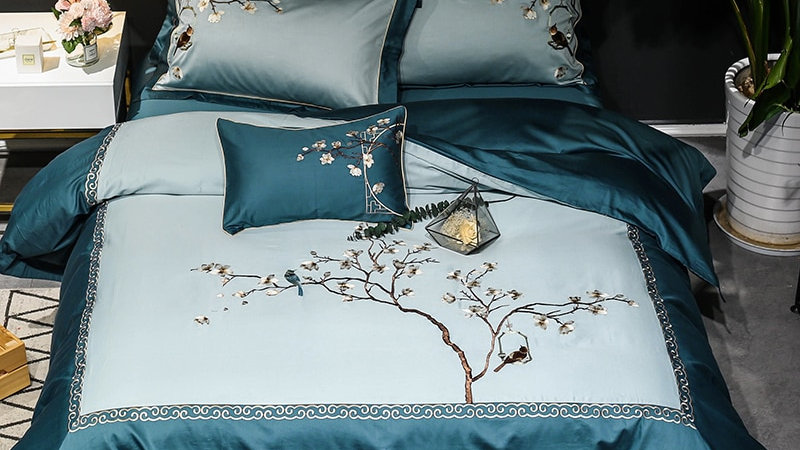 4/7 PCS Egyptian Embroidery Floral Birds Luxury Bed Set