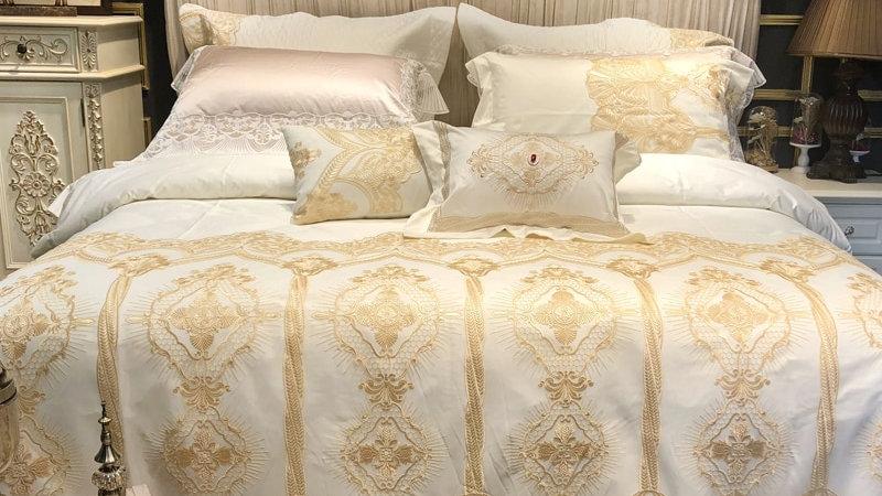 Golden Lace Duvet /Comforter Set