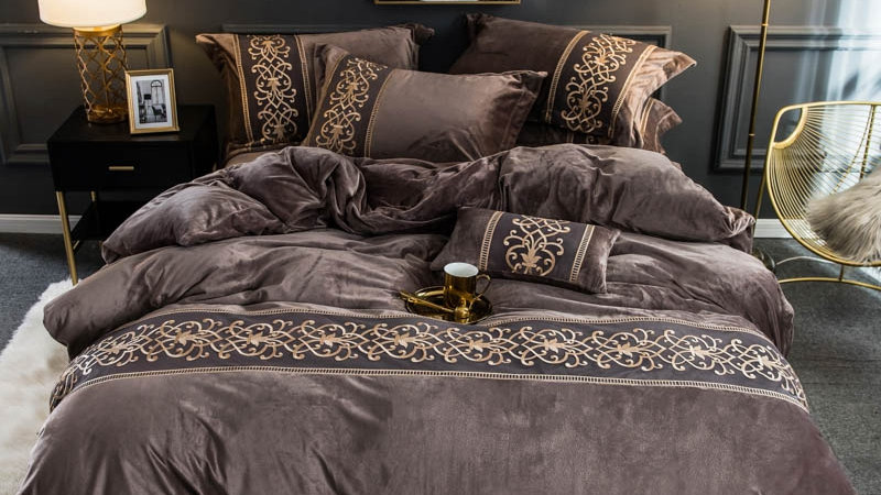Velvet Flannel Soft Warm Duvet Cover Set With Chic Embroidery Lace