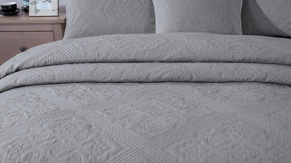 Elegant Floral Grey Diamond Pattern Quilted Coverlet Bedspread Set